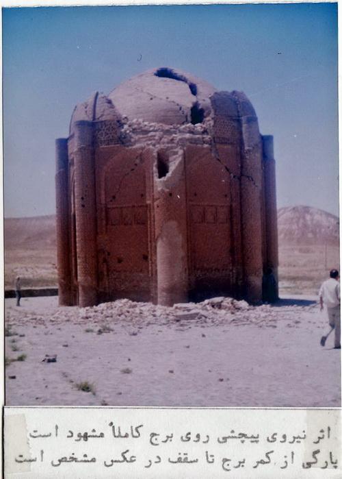 برج خرقان (نیروی پیچشی زلزله)
